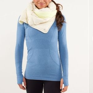 Lululemon what the fluff scarf